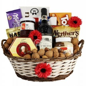 Classic Sweet – Wine Gift Basket in Europe
