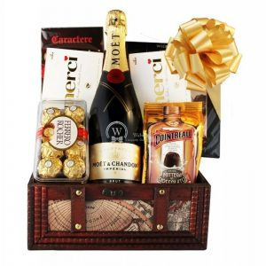 MOET Treasure – Champagne Gift Basket