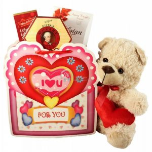 Hugs and Kisses – Romantic Gift Set