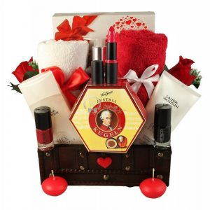 Love Senses – Gift Basket For Her