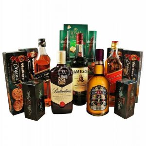 Between Edinburgh to Dublin – Deluxe Whiskey Gift Basket